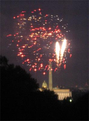 Overlooking the Mall from Arlington VA, 4 Juillet 2007