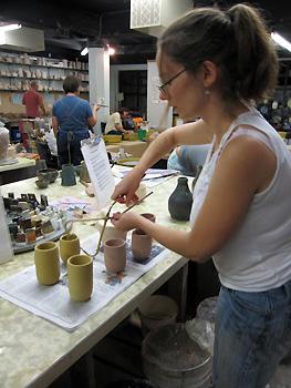 Glaze covered pots - 25 Août 2009; Photo:Alex